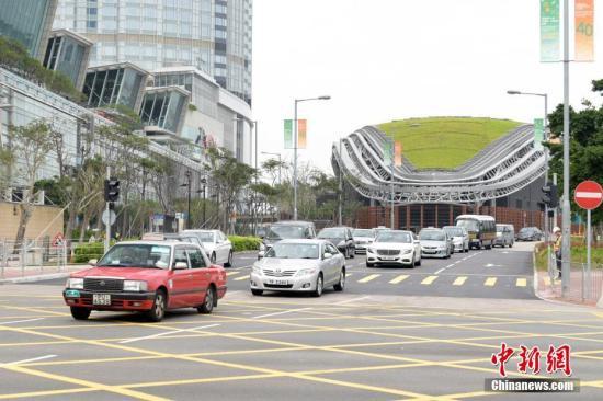 资料图:香港中环湾仔绕道。<a target='_blank' href='http://www.jllhv.club/'>中新社</a>记者 李志华 摄