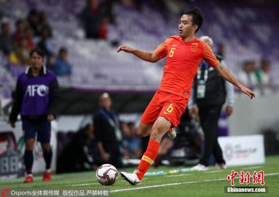 资料图:冯潇霆在亚洲杯的比赛中。在1/4决赛,他的失误导致丢球,恒大决定将其下方预备队。图片来源:Osports全体育图片社