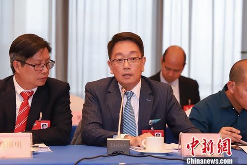 资料图:来自香港的贵州省政协委员陈宇龄。记者 瞿宏伦 摄