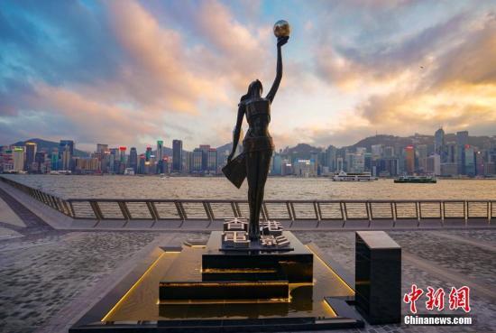 资料图:香港维港。中新社记者 张炜 摄