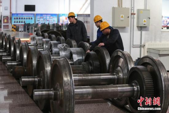 材料图:企业车间。a target='_blank' href='http://www.chinanews.com/'种孤社/a记者 贾天怯 摄