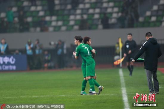 资料图:中国足球归化球员第一人侯永永首次亮相。图片来源:Osports全体育图片社