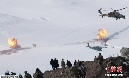 """本地工夫2月21日,土耳其武拆队伍总顾问部颁发声明道,代号""""夏季-2019""""的多国结合军事练习正正在该国东部卡我斯省停止。"""