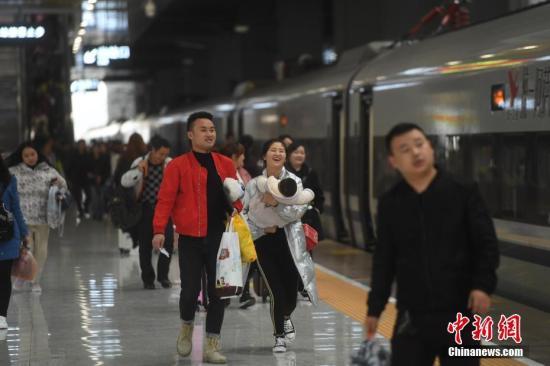 2019年铁路春运收官 发送旅客首次突破4亿人次