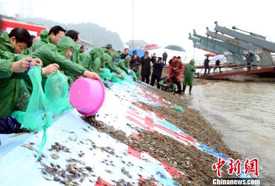 公安部:四方面举措打击长江流域非法捕捞图片