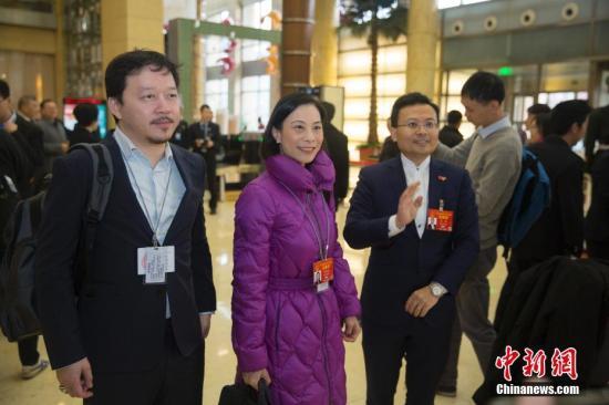 资料图:陈曼琪(左二)。<a target='_blank' href='http://www.chinanews.com/'>中新社</a>记者 王骏 摄
