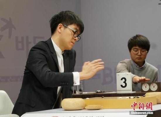 资料图:柯洁在比赛中。<a target='_blank' href='http://www.chinanews.com/'>中新社</a>记者 曾鼐 摄