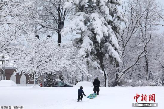 资料图:当地时间2019年3月4日,美国纽约,当地遭遇暴风雪。