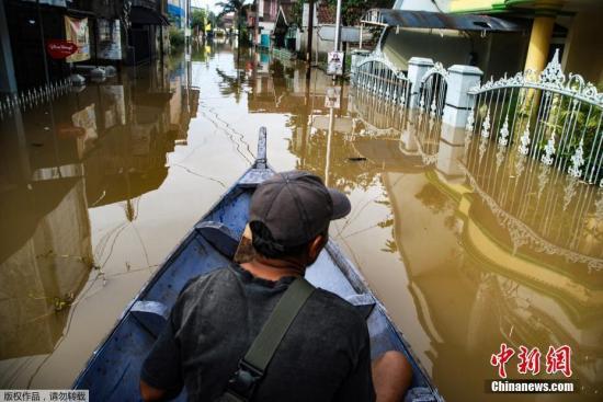资料图:印尼洪水泛滥。
