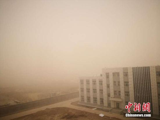 长江中下游等地有较强降水内蒙古等地有大风沙尘天气