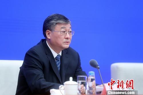 """3月22日,国务院新闻办公室在北京举行新闻发布会,介绍""""坚持节水优先,强化水资源管理""""有关情况。中国水利部副部长魏山忠出席并答记者问。记者 张宇 摄"""