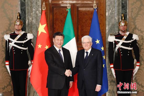 当地时间3月22日,中国国家主席澳门银河网站网址在罗马同意大利总统马塔雷拉举行会谈。 中新社记者 盛佳鹏 摄