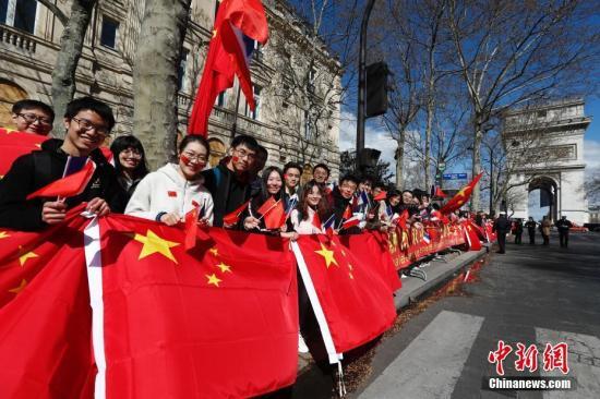 华侨华人形象跃升:实力提升赢自信 融入主流获尊重