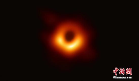 首度曝光的黑洞有名字了:夏威夷语寓意_夏威夷-望远镜-黑洞-