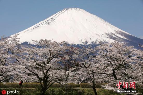 日富士山落石事故致1人死 山梨县采取紧急防护措施