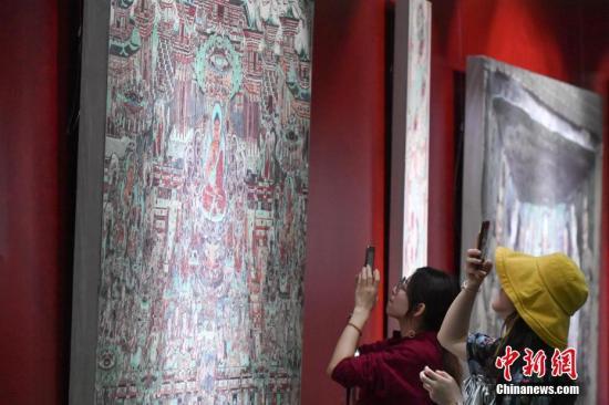 《当代敦煌绘画作品巡展》携全国优秀敦煌画派创作精品亮相甘肃艺术馆