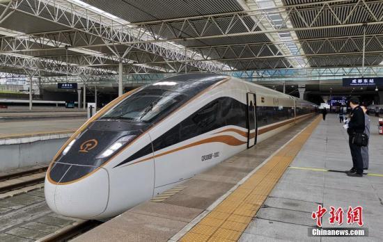 """走进""""复兴号""""的摇篮:大师辈出推动中国铁路技术创新"""