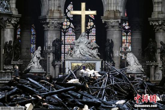 """巴黎圣母院将以""""过失破坏""""提起诉讼推进保险赔偿"""