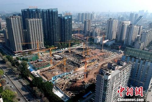 <b>房企买地、投资步伐放缓 土地成交价款同比跌近三成</b>