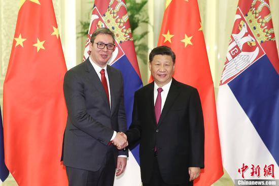 4月25日,中国国家主席习近平在北京人民大会堂会见塞尔维亚总统武契奇。中新社记者 盛佳鹏 摄