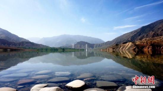资料图:青海省黄河干流水质优良。张添福 摄