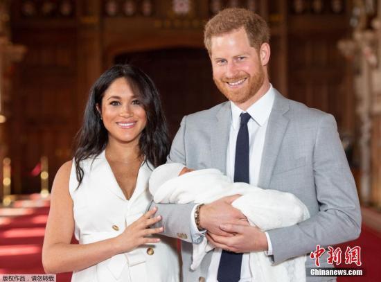白金汉宫:哈里梅根确认不再以王室成员身份工作