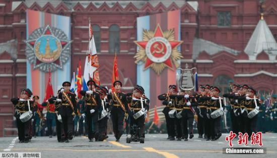 当地时间2019年5月9日,俄罗斯莫斯科,莫斯科红场举行一年一度的阅兵式,纪念卫国战争胜利74周年。