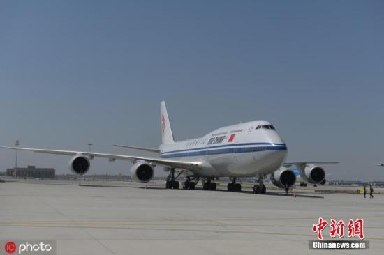 图为中国国际航空公司波音B747-8飞机降落。 图片来源:IC photo