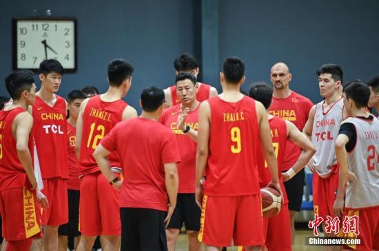 中国男篮在训练中。<a target='_blank' href='http://www.lvfngu.tw/'>中新社</a>记者 崔楠 摄(资料图)