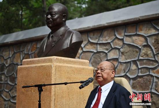 图为曾宪梓。a target='_blank' href='http://www.chinanews.com/'中新社/a记者 崔楠 摄