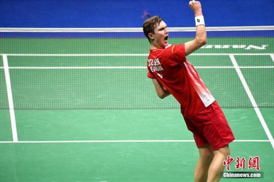 資料圖:丹麥名将安賽龍在男子單打比賽中。/p中新社記者 俞靖 攝