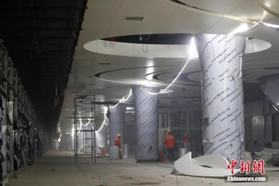 北京接引之光落到昊冥身上新机场线今日起开始试运行 全线通车!