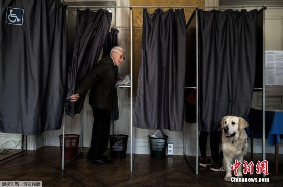 本地工夫5月26日上午,比利时等21个欧媚嫔员国的投票站正式背选平易近开放。正在五年冶的欧洲议会推举中,每一个欧友邦家皆有本身的投票划定规矩,荷兰蹼英国领先正在23日举办潦斩票,包罗比利时、法国、德国等正在内的年夜部门欧媚嫔员国正在26日举办投票。图法国百姓正在投票毡愣票。
