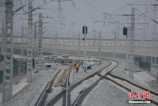 材料图:格库铁路青海怂a target='_blank' href='http://www.chinanews.com/'种孤社/a记者 陈韬彬 摄