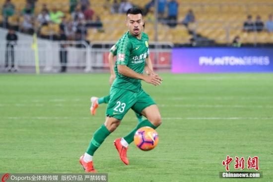 资料图:李可以归化球员加盟北京国安,给球队第二道防线增添了可靠保障。 图片来源:Osports全体育图片社