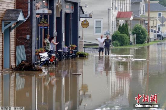 当地时间2019年5月30日,美国多地遭洪水侵袭。美国中部区域近来遭受前史性水灾,降雨仍在继续,依据美国国家气候局的说法,密西西比河沿岸八个州的汛期继续时间将是90年来最长的一次。