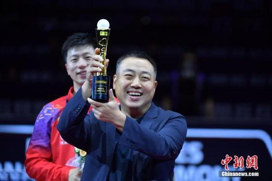 刘国梁曾坦言国乒成绩越好,别人反扑的力度就会越大。(资料图)中新社记者 陈文 摄