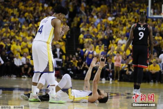 北京時間6日,NBA總決賽系列賽第三場,勇士109:123不敵多倫多猛龍,總比分1:2再度落后。