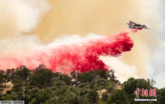 当地时间2019年6月9日,美国加州,北加州山火持续蔓延,危险急剧升高,天然气和电力公司对部分地区约1700名客户进行停电措施。