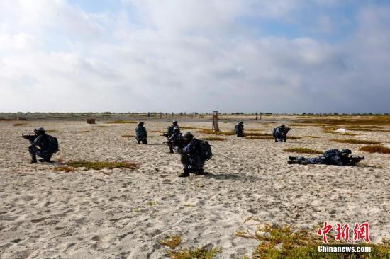 """白皮书阐明新时代中国军队""""四个战略支撑""""的使命任务"""