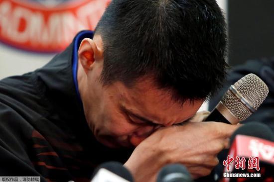 报道称,3届奥运会银牌得主李宗伟是在4月复诊后,就开始休长假,已一个多月没有到大马国家队训练,因为医生劝告他不能给身体过多的压力,以免癌症复发。