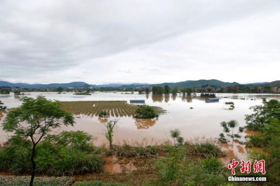 贵州至长江中下游有明显降雨过程 华北黄淮等地有高温天气