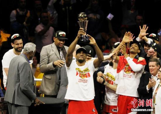 NBA猛龍舉辦奪冠慶典 萊昂納德稱到時自然決定去留
