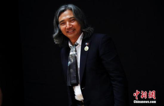 图为中国美术馆馆长、著名雕塑家吴为山。中新社</a>记者 杜洋 摄