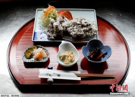 材料图:日本东东部的P-man餐厅出卖的一份炷块膛鐾。