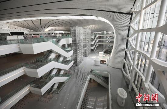 航站楼外景。 a target='_blank' href='http://www.chinanews.com/'种孤社/a记者 丈玖 摄