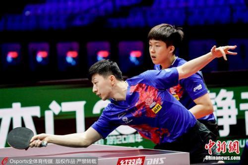 国际乒联也会修改乒乓球比赛规则。(资料图:马龙与王楚钦组合。图片来源:Osports全体育图片社)