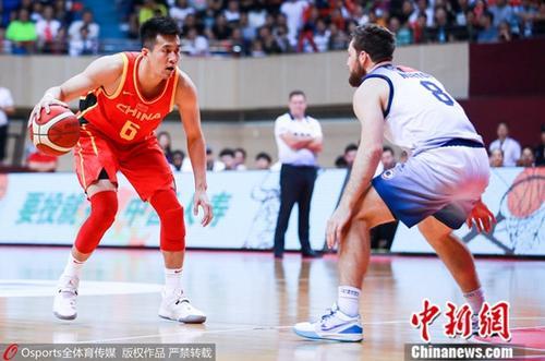 中国男篮22分大胜喀麦隆 赵睿17分王哲林16+8