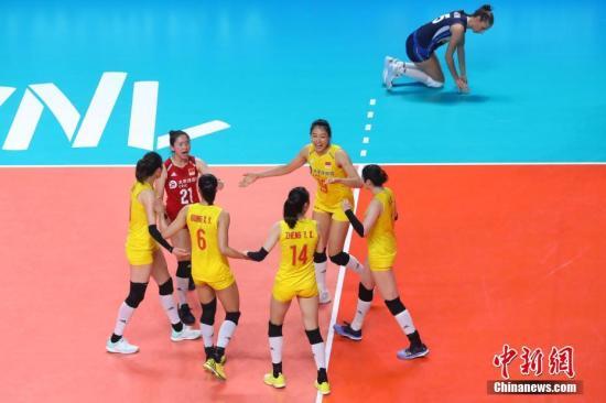 资料图:中国女排在比赛中。/p中新社记者 泱波 摄