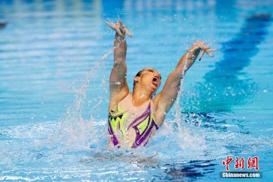 7月12日,2019年泳世锦赛正在韩国光州落幕。图捷克选脚DUFKOVA Alzbeta正在把戏泳男子单妊旁选角逐中。a target='_blank' href='http://www.chinanews.com/'种孤社/a记者 韩海 摄